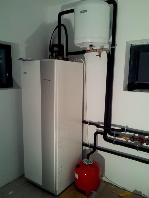 pompa de caldura aer-apa NIBE AMS 10-8 si ACVM 270