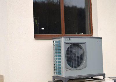 Pompa de caldura NIBE Aer Apa F2040 cu panouri solare